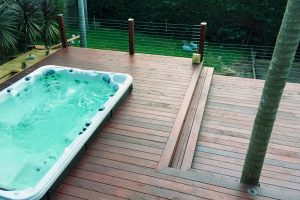 New deck with integrated spa